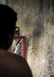 Kozzi-shave-in-mirror-1218 X 1723